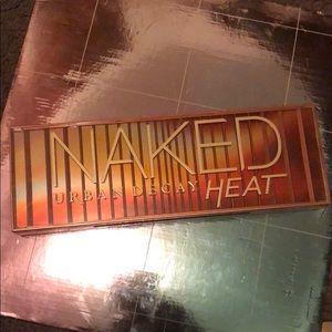 Urban decay naked heat palette #urbandecay #mauve